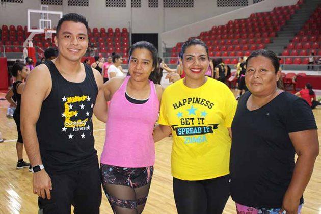 Roberto León, Berenice Ley, Alejandra Rendón, Esperanza López.