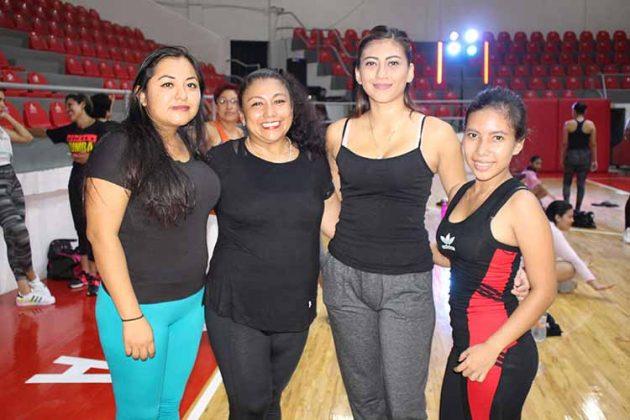 Yasmín Zacarías, Ana Ovando, Sarai Ybarra, Dulce Wong.