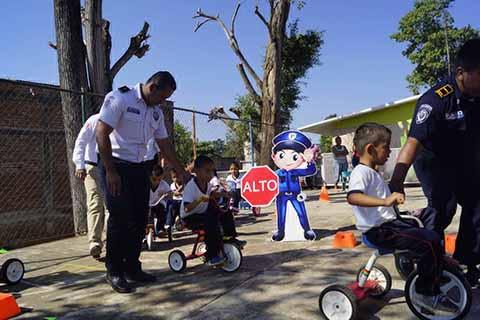 Educan a Niños Para que Haya Menos Cafres en la Ciudad