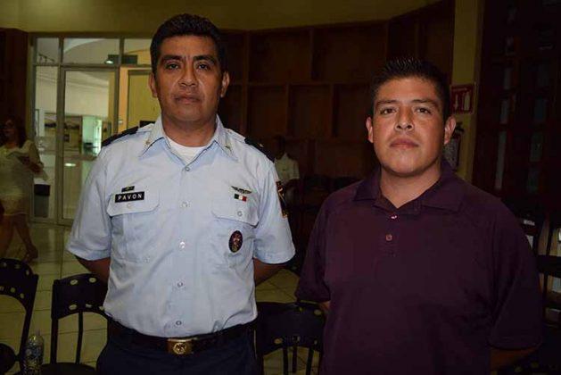Mayor Obed Pavón, Jefe de Estación Meteorológica No. 31; Carlos Eras.