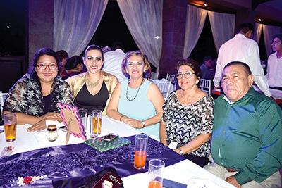 Cecy Hansen, Cynthia Siles, Leslie Torres, María, Rosabel Ramírez.