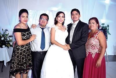 Dulce Ramos, Francisco Guzmán, Adriana, Reynaldo, Irma Hernández.