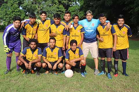 Los Amigos Derrotan 3-1 a Cariocas