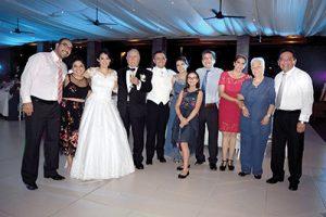 Familiares y amigos cercanos de Carlos Bastida viajaron para acompañarlo en este acontecimiento.