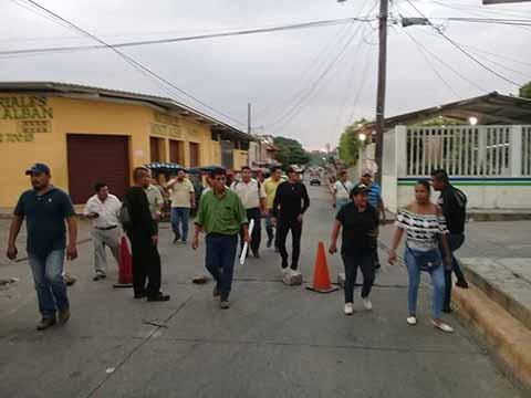 Toman Alcaldía de Huehuetán Exigen un Consejo Municipal