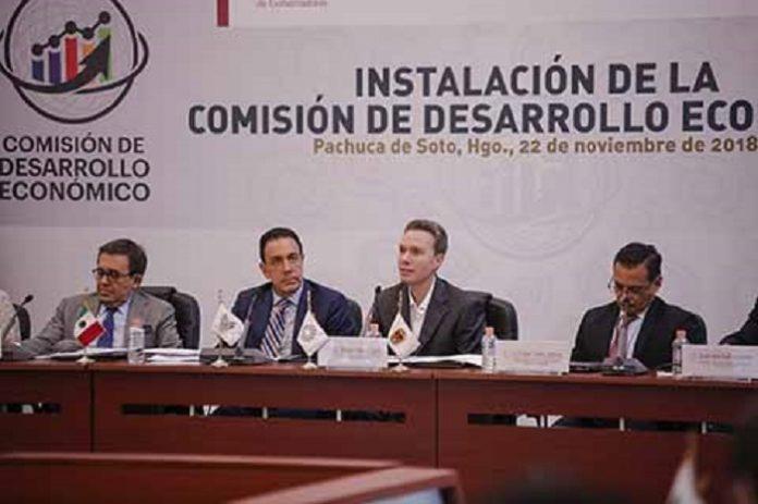 Al encabezar la instalación de la Comisión de Desarrollo Económico de dicho organismo, Manuel Velasco Coello llamó a los mandatarios de cada entidad, a cerrar filas con el próximo gobierno que encabezará Andrés Manuel López Obrador.