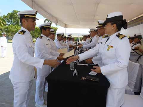 Condecoraciones y Ascensos a Marinos de la 14ª Zona Naval