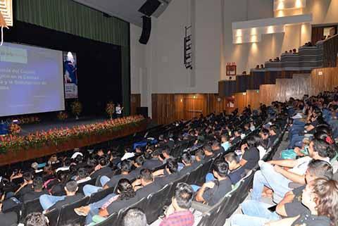 Disertan Simposio Internacional de Tecnologías y Negocios Conferencia