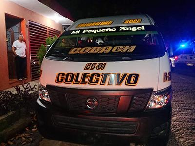 Colectivero Invadió Carril y Causó Choque
