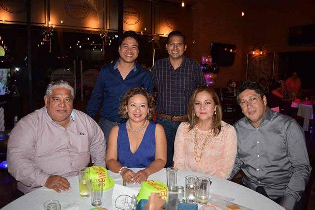 Alfredo Villagrán, Luisa Zamora, Esperanza Pérez, Guillermo Ordaz, Josué Yong, Víctor Campos.