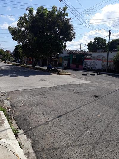 Desatención de la CFE Provoca Bloqueo de Calles en Calpan Laureles