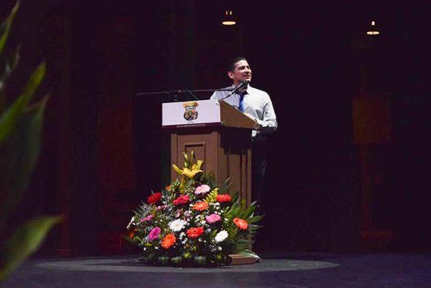 """Alfredo Velazco Cruz, dicto la conferencia """"Perfilación de conducta criminal""""."""