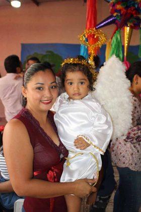 Carmelina Morales, Mía Samayoa.