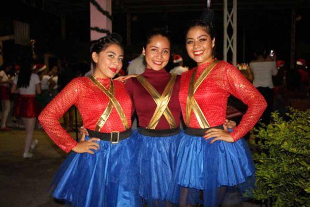 Tiare Villareal, Andrea Rubio, Dulce Bonilla.