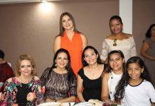 Blanca Farrera, Mónica Hernández, Ale Méndez, Conchy Hernández, Dorita Gutiérrez, Jazmín López.