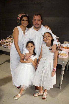 Laura Flores, María Regina, Luis, María Renata Martínez.