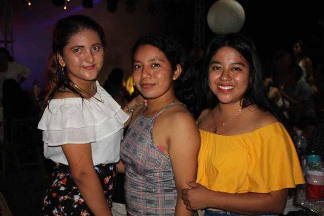 Lizbeth Castellanos, Susan Pineda, Eliza Sarmiento.