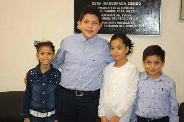 Dalia Zúñiga, Oscar Alvarado, Camila Cruz, Daniel Alvarado.