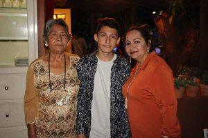Consuelo Villatoro, Esteban Rosales, Rosa Isela Calderón.