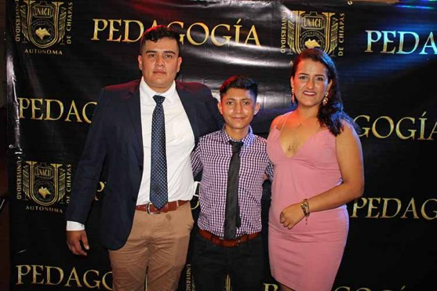 Luis Reyes, Alejandro García, Stephany Mantilla.
