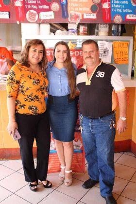 Claudia Casanova, Claudia Gómez, Enrique Gómez.