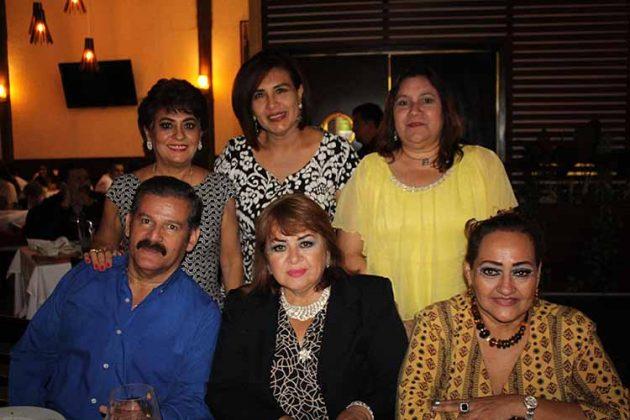 Carlos Alberto, Guadalupe Milla, Guadalupe Díaz, Rocío Flores, Lourdes Ramos, Norma Alcázar.