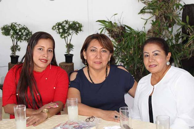 Lety Pérez, Gloria Hernández, Noemí Salgado.