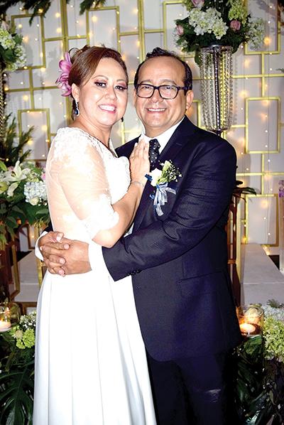 Juan Carlos González & Juanita Magaña.