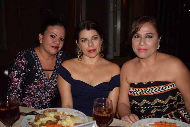 Fátima Alvarado, Danitza Gálvez, Mirna Mora.