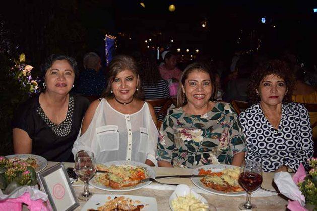 Ilse López, Sari Pérez, Gaby López, Luz Arrazate.