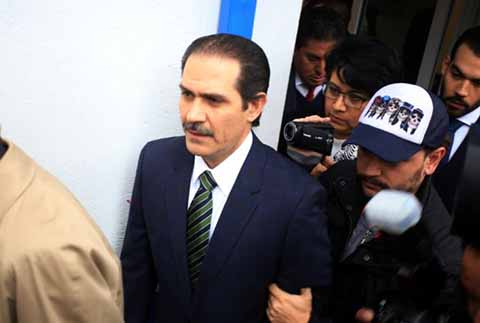 Juez Federal Ordena Reducir Fianza de Guillermo Padrés