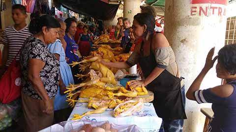 """Comerciantes del """"San Juan"""" Exigen Poner Orden en la Administración"""