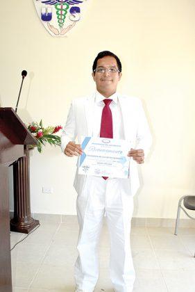 Carlos Pineda, 3er. Lugar de aprovechamiento.