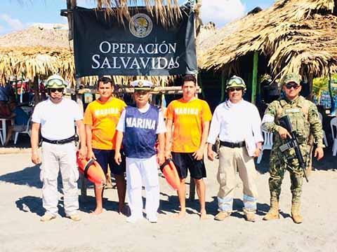 PC y SEMAR Implementan Operativo en Playas de la Región