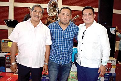 Virgilio Guillén, comandante Operativo de Tránsito del Estado; Jorge Moreno Carrasco, delegado de Tránsito del Estado en Tapachula; Manuel Ardavín, Director de la Policía Escolar.