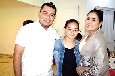 Luis Santiago, Yamel Maldonado, Lupita Maldonado.