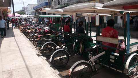700 Tricicleros Operan Fuera de la Ley en Huixtla