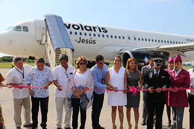 En el vuelo inaugural, el avión llegó lleno y se fue también a su máxima capacidad, significando un éxito, ya que además es más barato que viajar en autobús a ese destino.