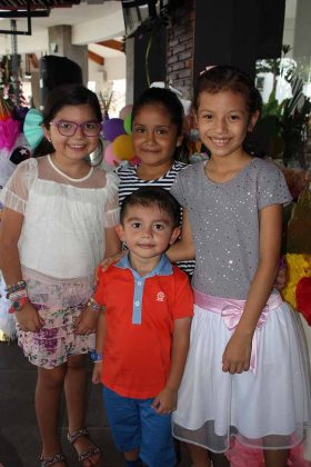 Valentina Kardash, Camila Cortes, Luis Kardash, Andrea Pulido.