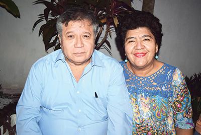 Héctor López, Gloria Gálvez.