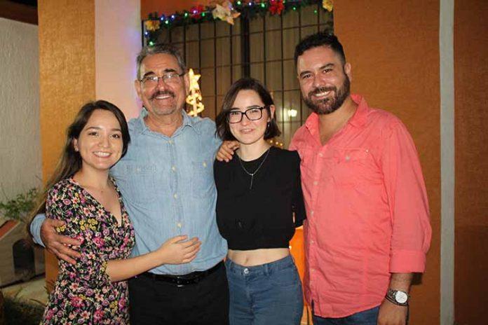 Fernanda, Arturo, Rafaela, Arturo López.
