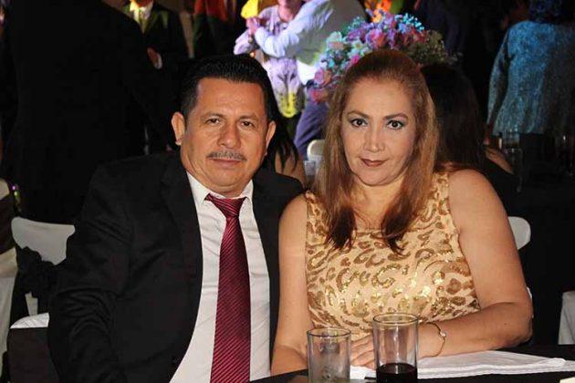 Ariel, Elizabeth de Morales.
