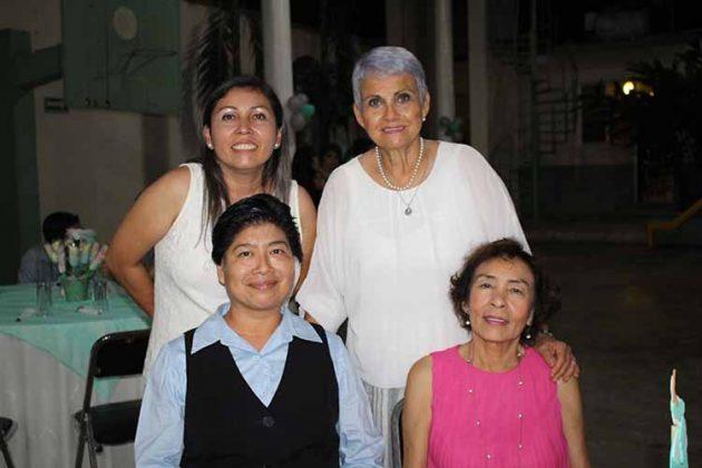 Madre Martha, Tere Chang, Gladys Trujillo, Magda Aguilar.