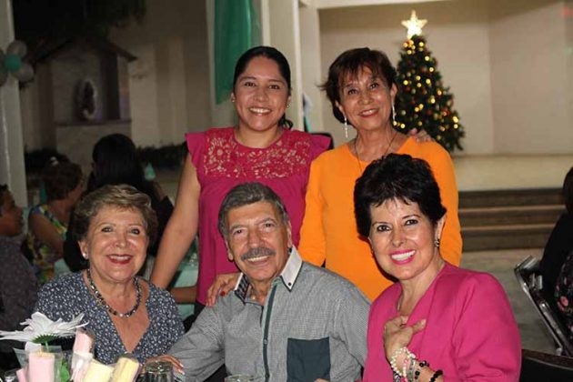 Lupita Castellanos, Pepe Athie, María Coello, Iveth Athie, Blanqui Espinal.