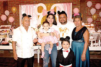 Familia Gómez Solís.