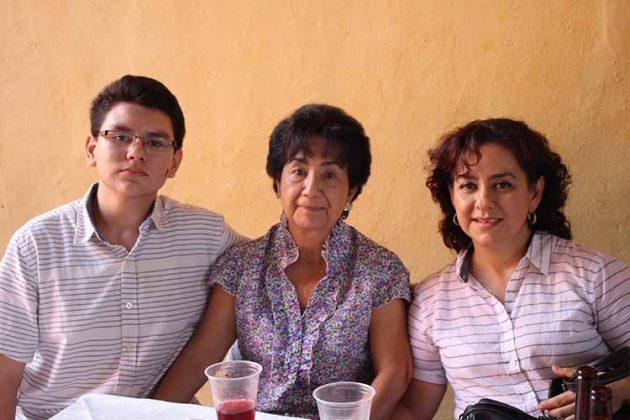 José Escamilla, Sonia Morales, Susana Hernández.