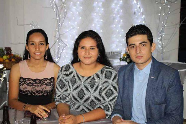 Jennifer Ramírez, Isabel Argüello, Jorge Argüello.