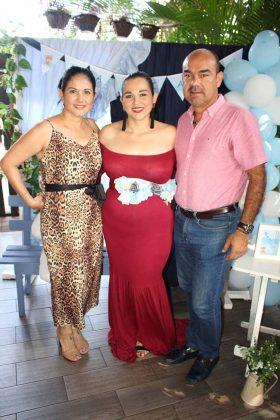 Eva Torres, Ana Gamboa, Alfredo Zapien.