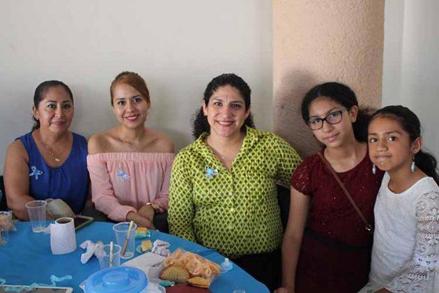Magdaly Sumoza, Amairani Sánchez, Jenny García, Génesis, Gaia López.