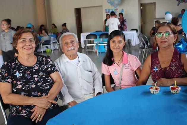 Carmelita rojas, Miguel Córdova, Yazmín Zúñiga, María Córdova.